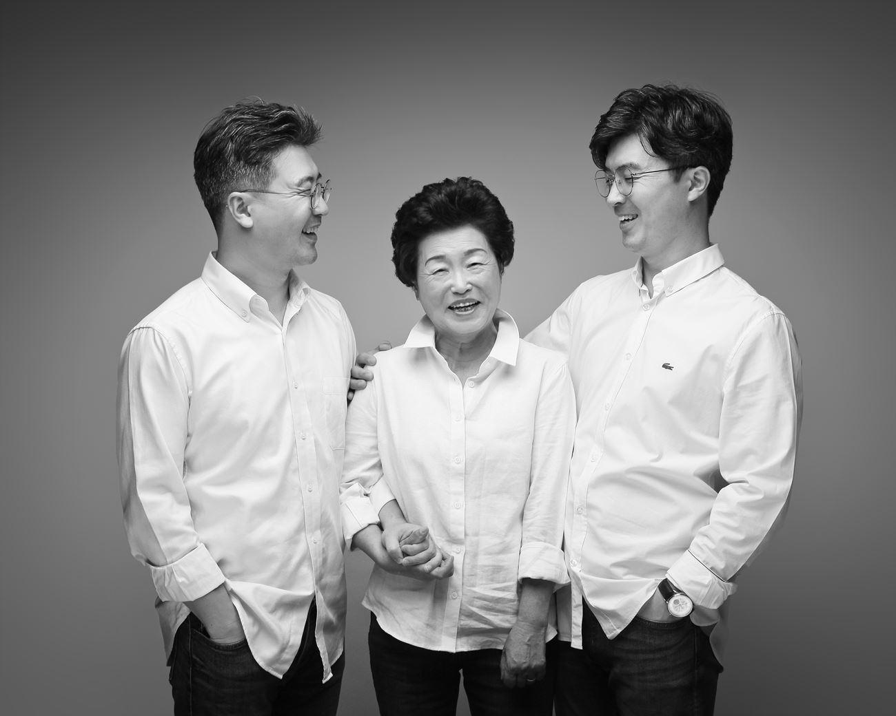 할머니와 아들들.jpg