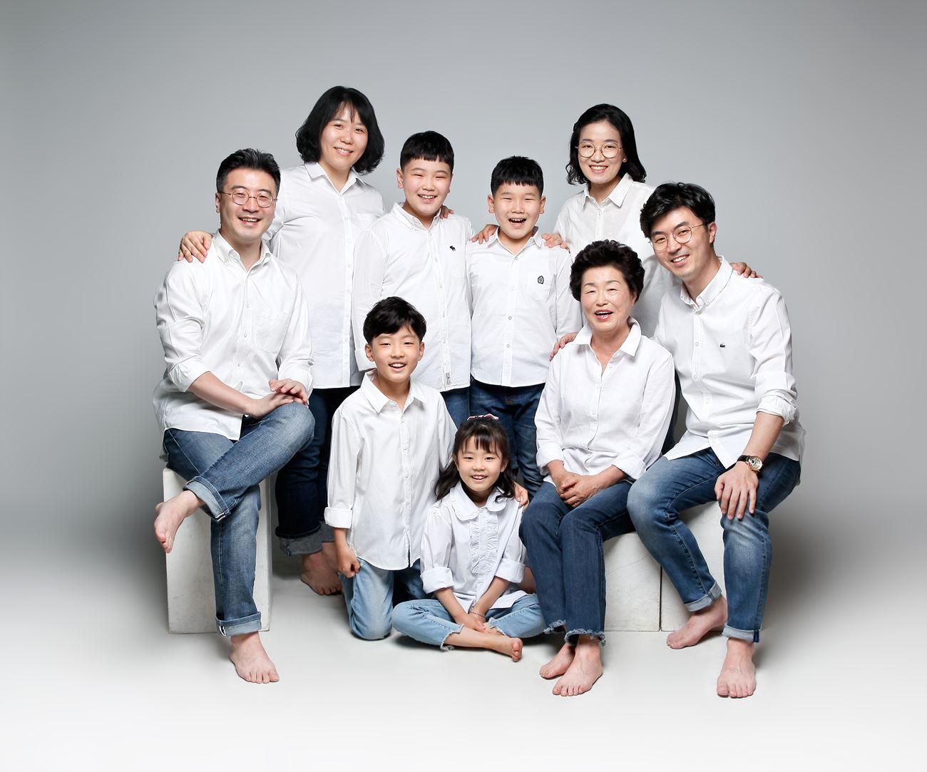 대가족 사진.jpg